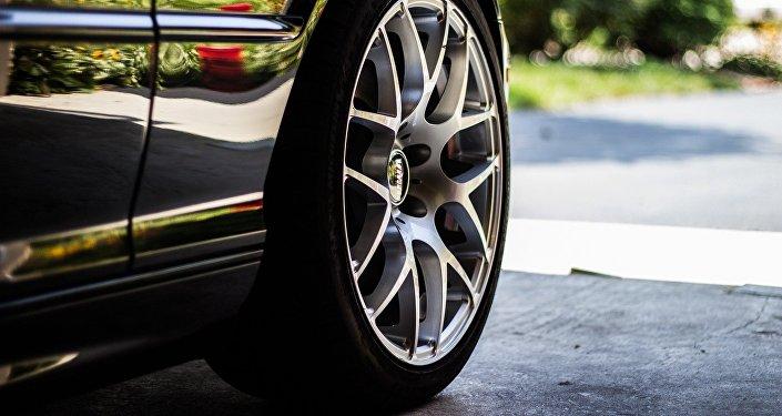 Une roue de voiture (image d'illustration)