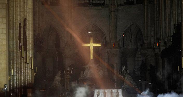 L'intérieur de Notre-Dame après l'incendie