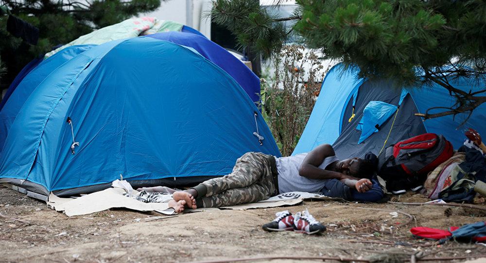 Des migrants près de la porte de La Chapelle, archives