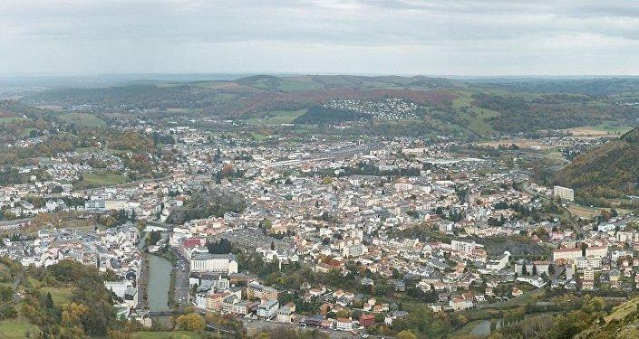 Lourdes vue du Béout (Hautes-Pyrénées, France)