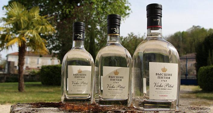 Les vodkas Viche Pitia sont lancés par la société «Maison de la Vodka» issue du partenariat franco-russe
