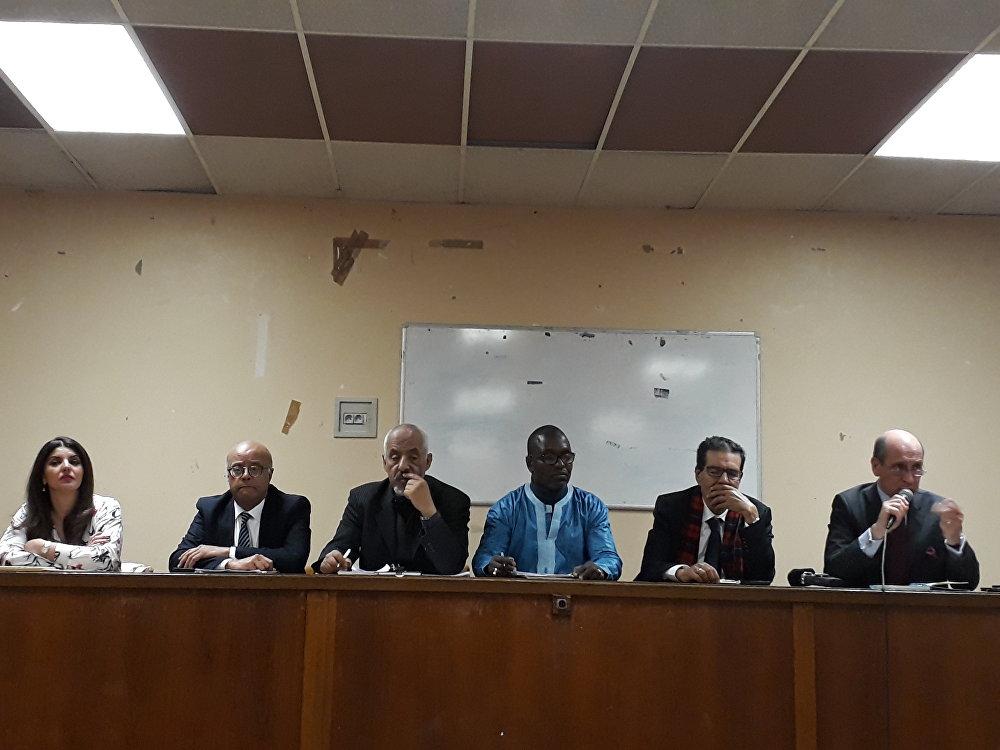 Panélistes de la séance consacrée à crise libyenne et ses conséquences sur les pays riverains lors du colloque du 3 mai organisé par l'Institut Mandela à Paris