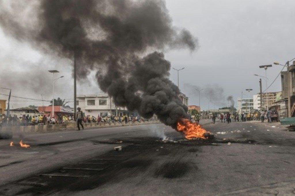 Violence dans les rues de Cotonou, ici au quartier Cadjedhoun le 3 mai.
