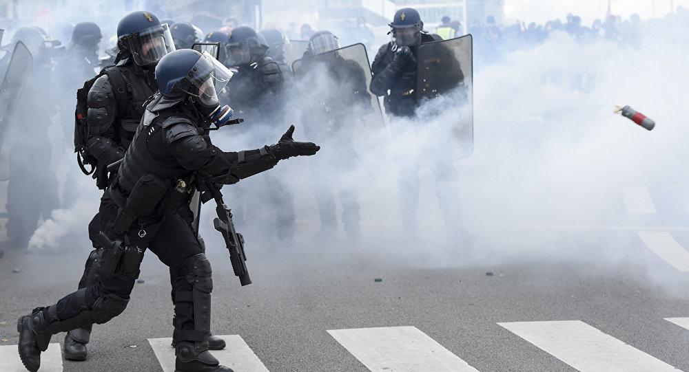 Des gendarmes lors de l'acte 26 de la mobilisation des Gilets jaunes