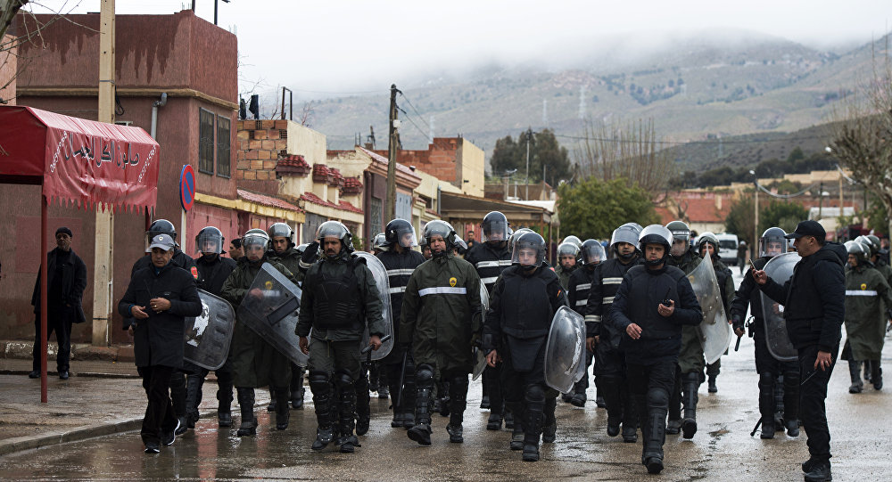 une patrouille de police au Maroc