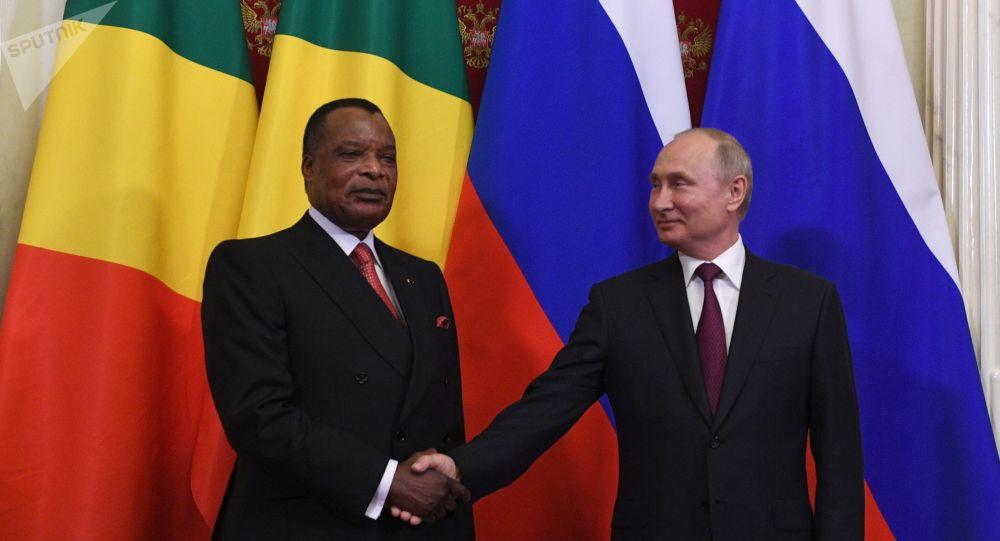 Denis Sassou-Nguesso et Vladimir Poutine à Moscou