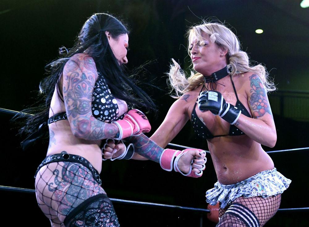 27e Сhampionnat de MMA féminin en lingerie à Las Vegas