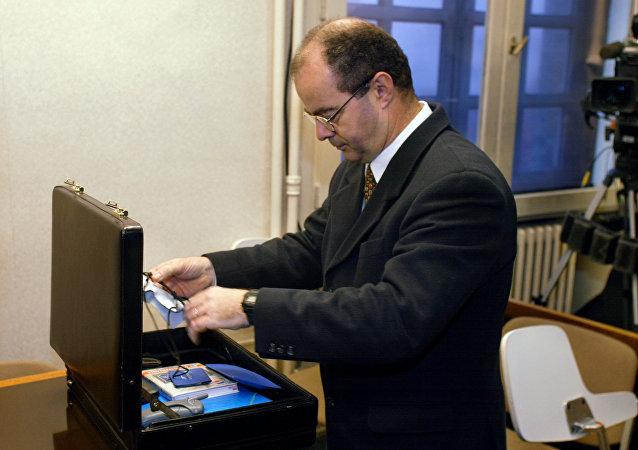 Pierre-Henri Bunel avant la comparution devant le tribunal militaire