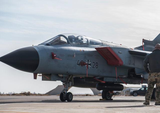 Un Tornado allemand à la base d'Azraq en Jordanie
