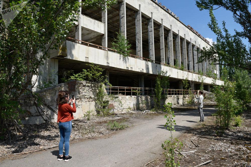 Selfies à Tchernobyl ou le boom touristique dans la zone d'exclusion autour de la centrale