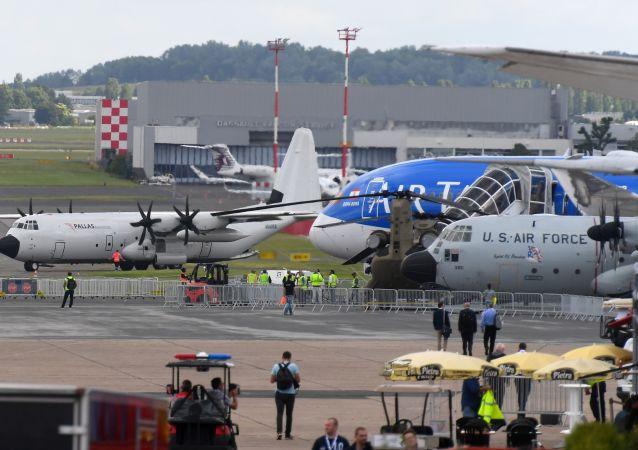 Inauguration du 53è salon de l'Aéronautique et de l'Espace du Bourget