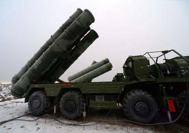 Système de missiles russes S-400