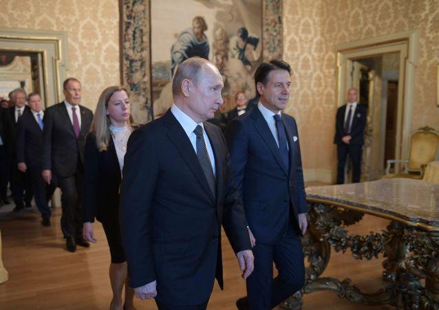 Vladimir Putin et Giuseppe Conte, le 4 juillet 2019