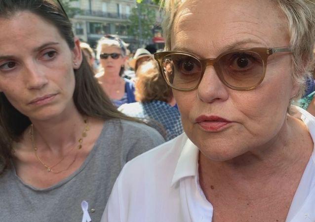 Muriel Robin au rassemblement Stop Féminicides à Paris