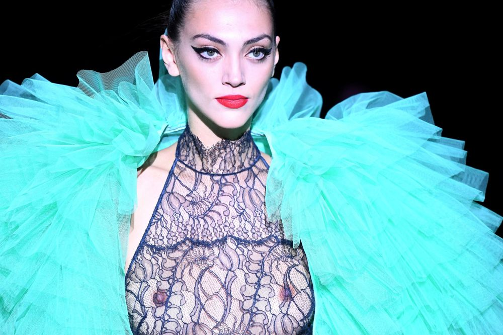 Défilé de lingerie et de maillots de bain à la Semaine de la mode de Madrid