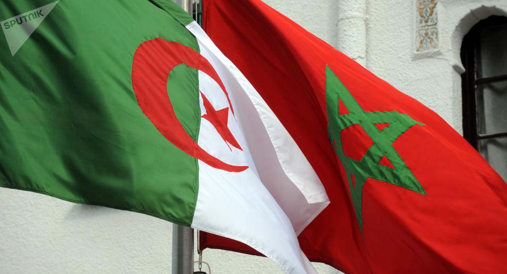 Drapeaux Algérie-Maroc