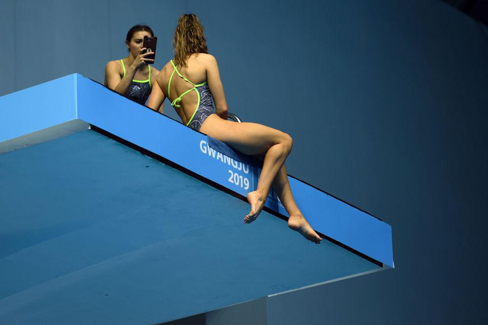 An australian competitor poses for a selfie on a diving platform during the 2019 World Championships at Nambu University Municipal Aquatics Center in Gwangju, South Korea, on July 20, 2019.