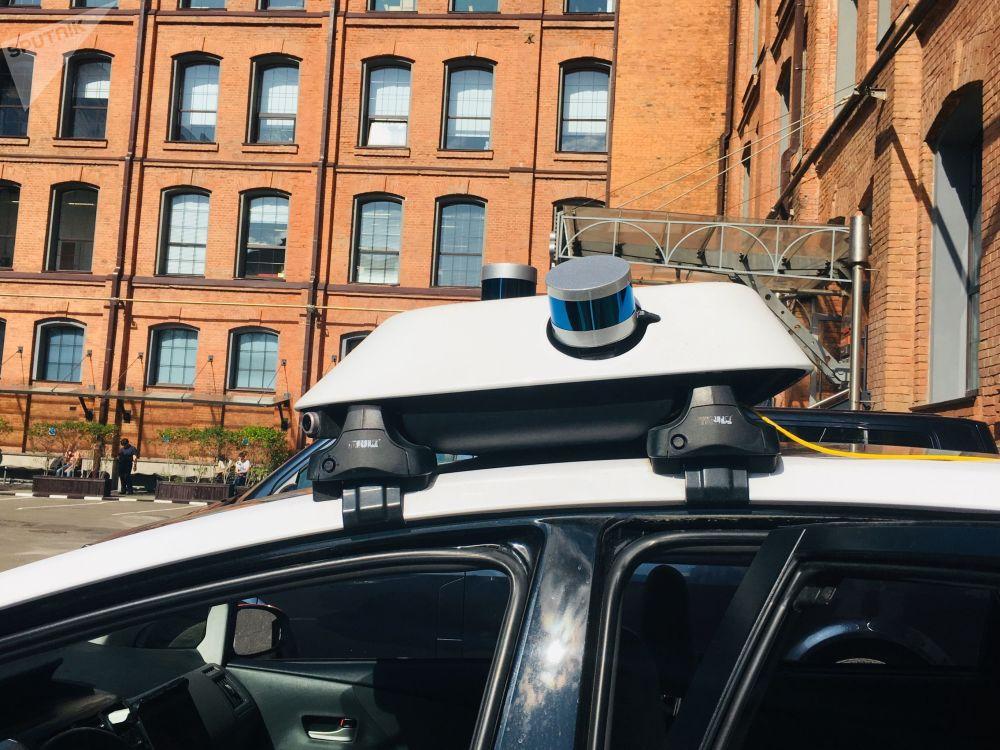 Les capteurs LiDAR d'une voiture autonome de Yandex