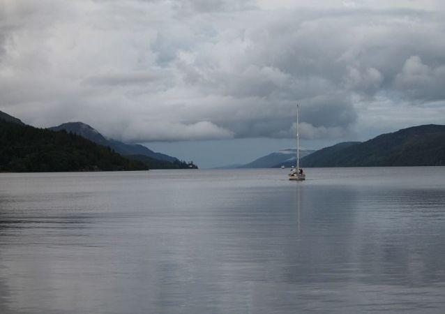 Шотландия, озеро Лох-Несс