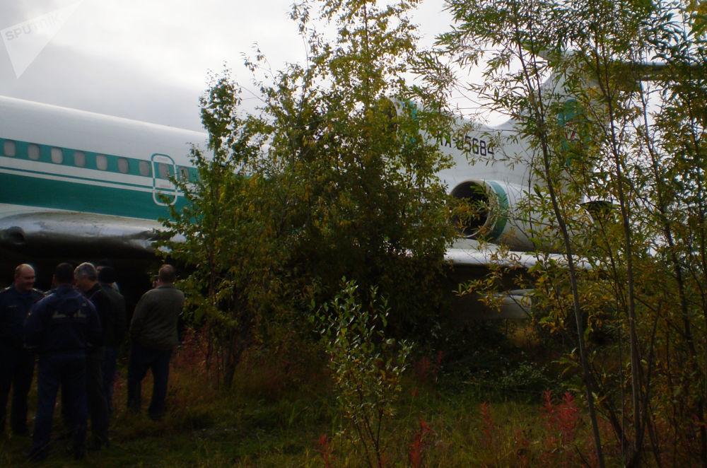 Un Tu-154 d'Alrosa après son atterrissage d'urgence sur l'aérodrome d'Ijma, dans la république des Komis