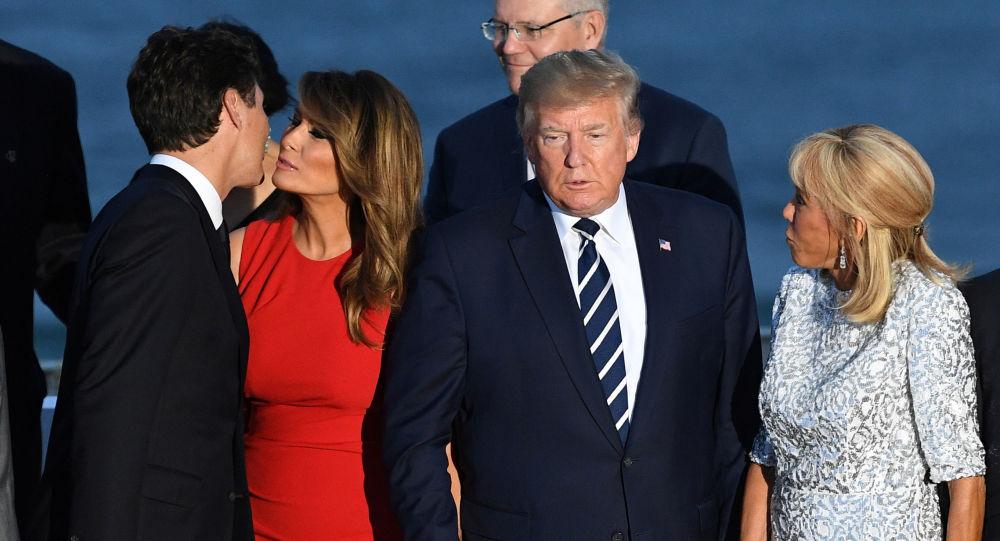 La First Lady Melania Trump et le Premier ministre canadien Justin Trudeau près de Donald Trump et Brigitte Macron