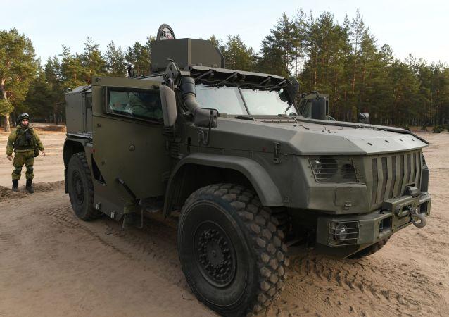 Le véhicule blindé 4386 Typhoon