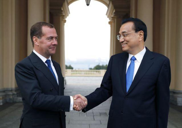 Dmitri Medvedev et Li Keqiang