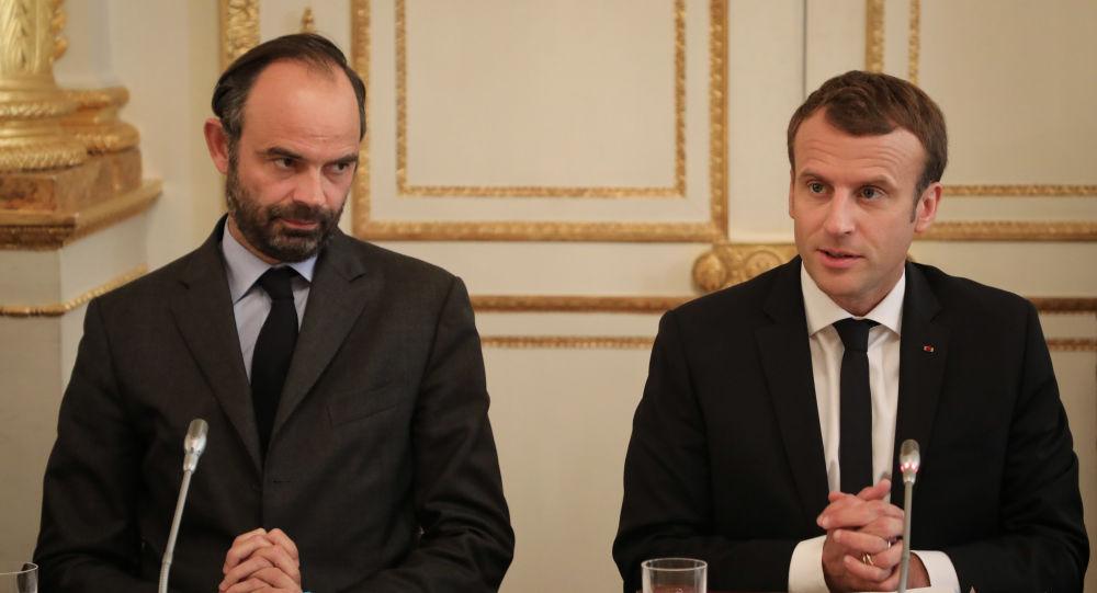 La cote de confiance d'Édouard Philippe en hausse, Macron stable