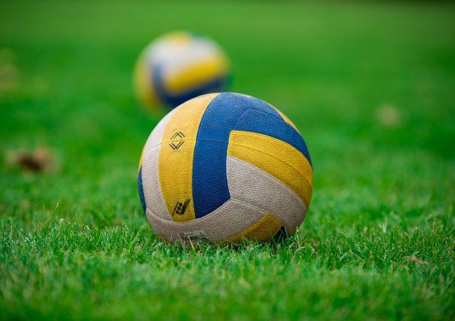Un ballon de volley-ball (image d'illustration)