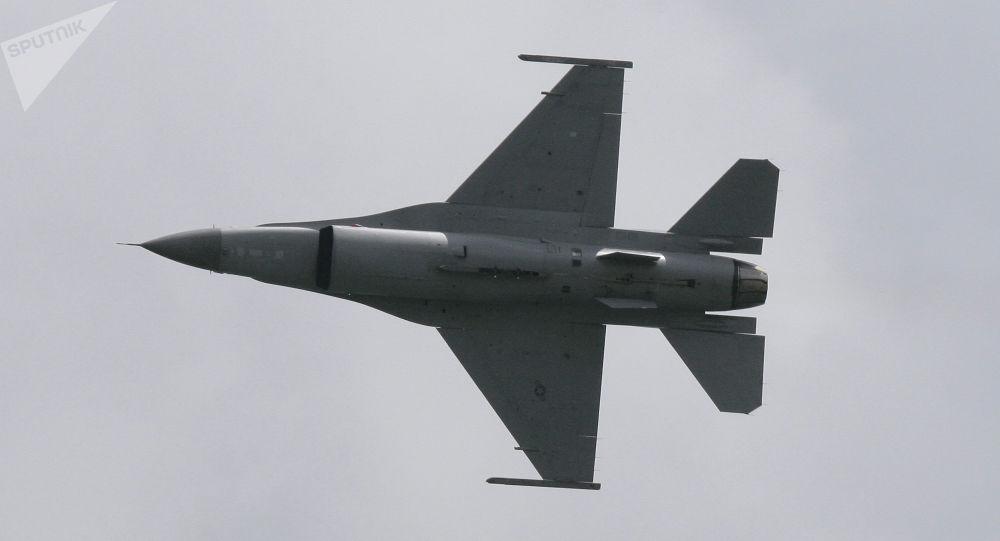 Un chasseur F-16 (archive photo)