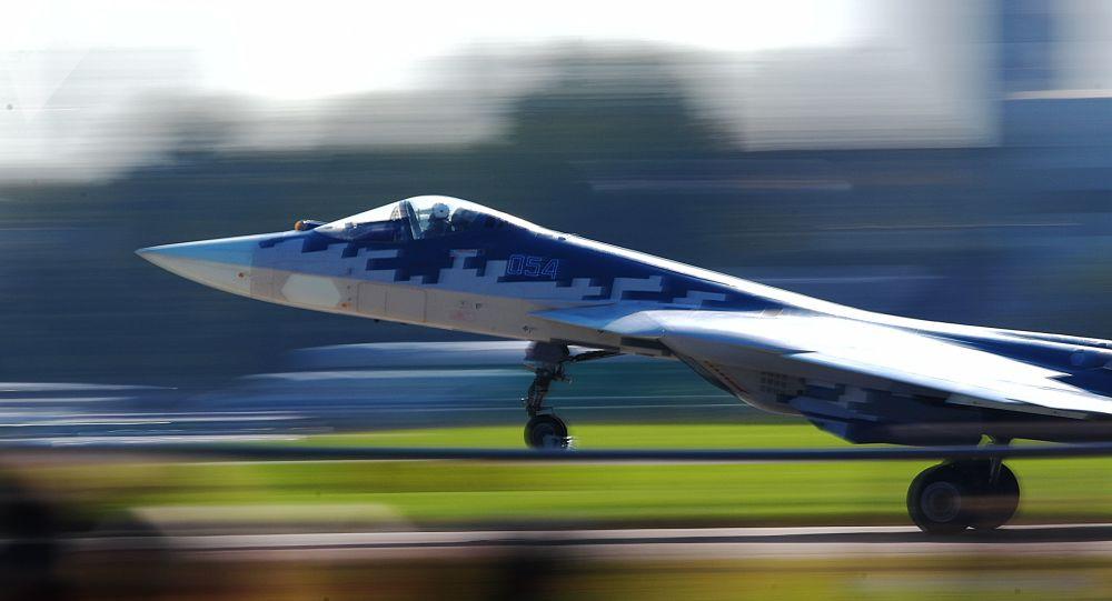 Le chasseur polyvalent russe de 5e génération Sukhoi Su-57 au salon MAKS 2019