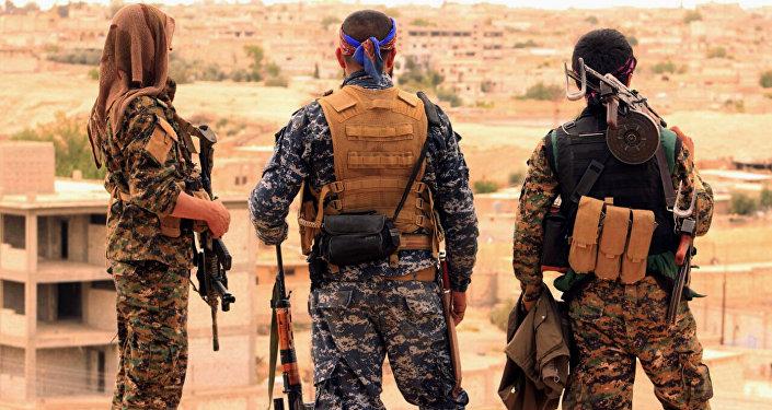 Des combattants FDS