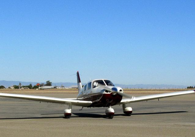 Piper PA-28-181 Cherokee Archer II (N9272Q) 1996 1