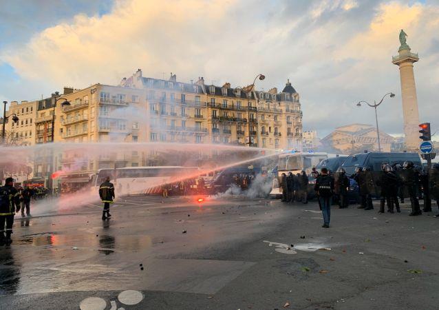 Manifestation des pompiers à Paris, le 15 octobre 2019