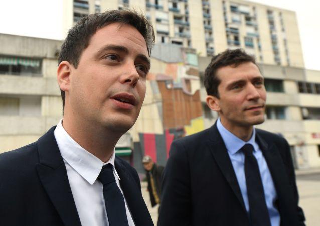 Yoann Gillet, à gauche