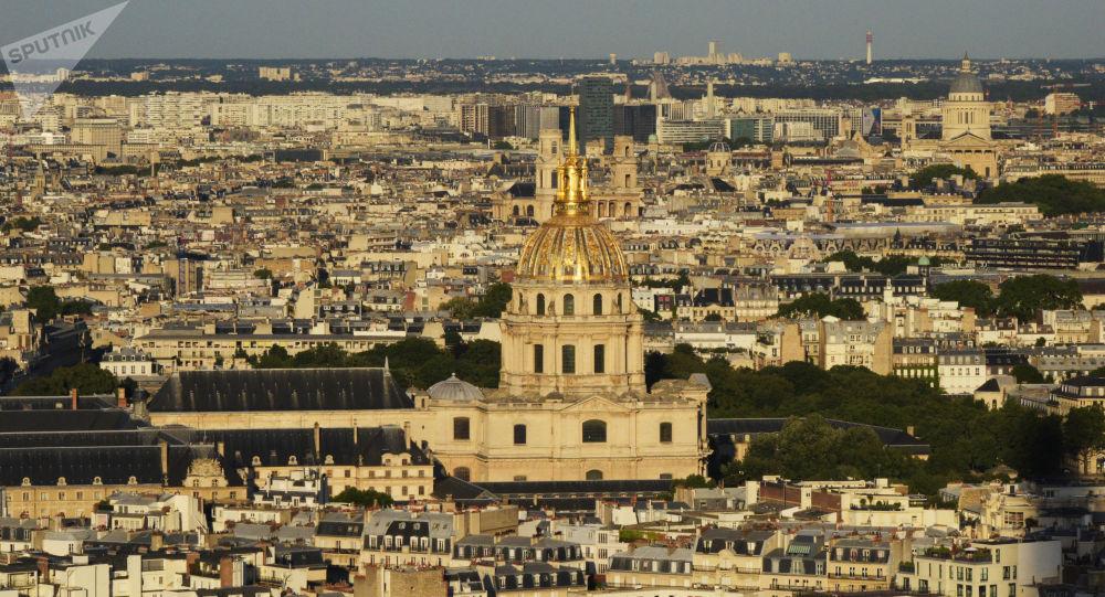 la cathédrale parisienne Saint-Louis des Invalides