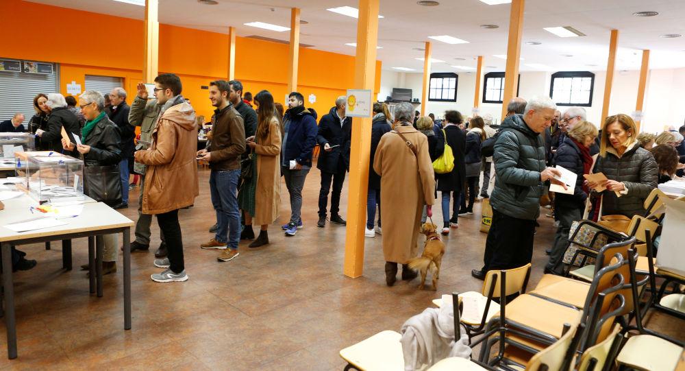 Les électeurs lors des élections législatives en Espagne le 10 novembre 2019 (image d'illustration)