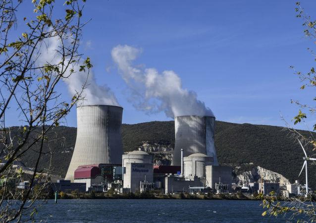 la centrale nucléaire de Cruas, en Ardèche