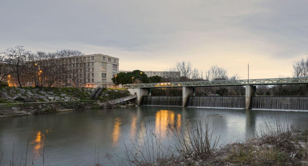 Passerelle du Moulin de l'Evêque au dessus du Lez. Montpellier, Hérault, France