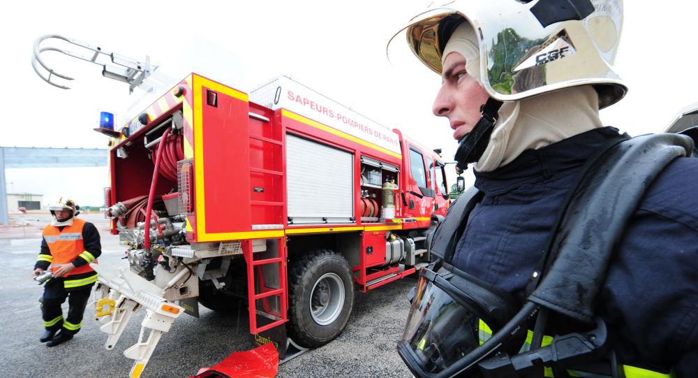 Un grave incendie volontaire frappe un collège à Grenoble