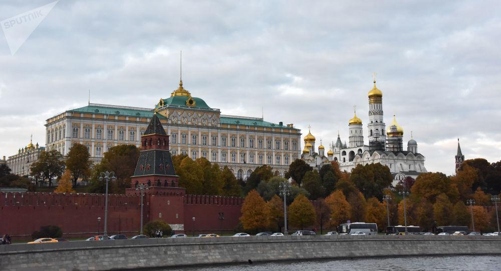Le porte-parole du Kremlin répond à l'idée de Trump d'inviter la Russie au prochain G7