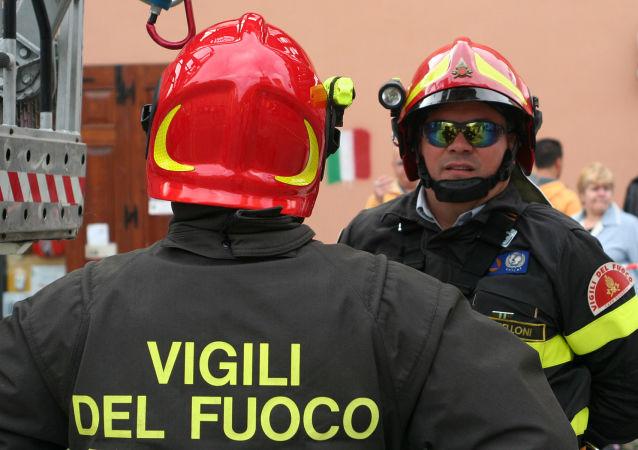 Des sapeurs-pompiers italiens (image d'illustration)