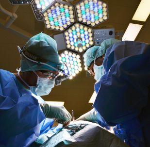 Une opération, image d'illustration