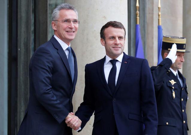 Macron reçoit Jens Stoltenberg à l'Élysée