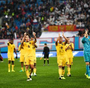 L'équipe de Belgique remercie les supporters lors d'un match de qualification pour l'Euro 2020 à Saint-Pétersbourg