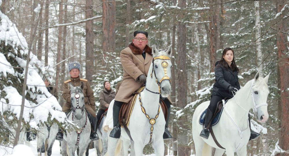 Corée du Nord : Kim Jong Un inaugure la ville nouvelle de Samjiyon