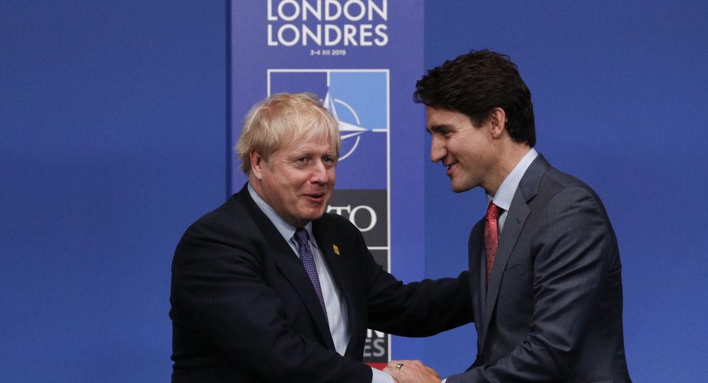 Boris Johnson et Justin Trudeau au sommet de l'Otan