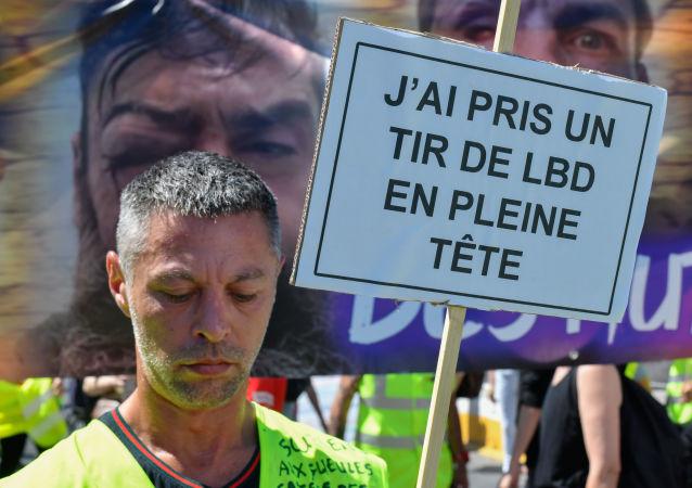 Une manifestation contre les violences policières à Paris