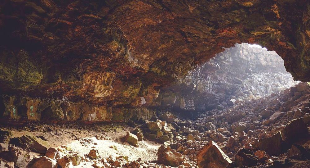 caverne, image d'illustration