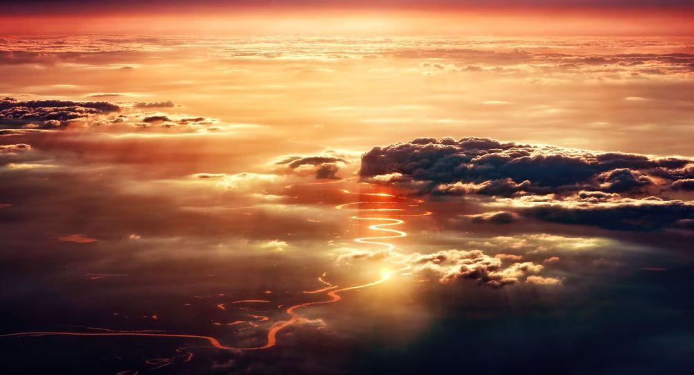 Trois soleils dans le ciel: un phénomène extraordinaire filmé en Chine